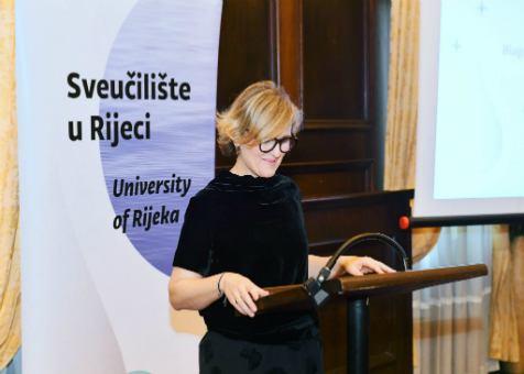 Laureati UNIRI - najveći broj zahvalnica u rukama studenata EFRIja